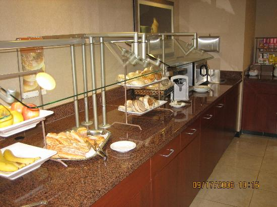 Courtyard Salina: more of breakfast buffet
