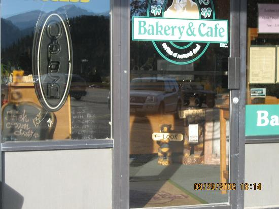 Notchtop Bakery & Cafe: door