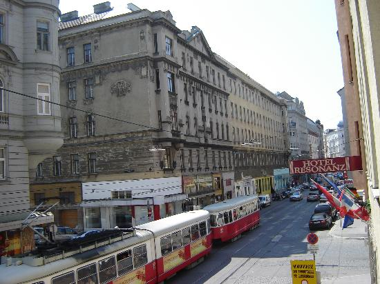 Hotel Resonanz Vienna: view from the hotel room