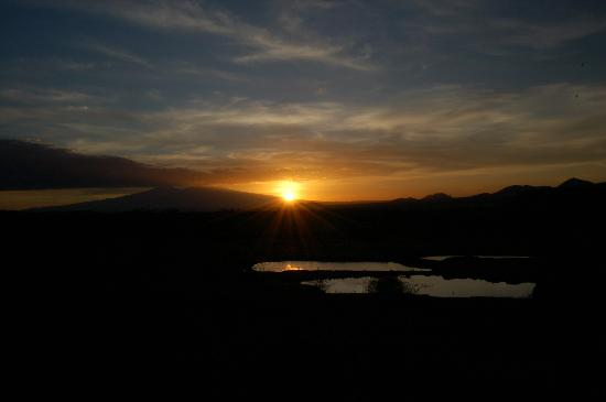 Kilaguni Serena Safari Lodge: Sunset over Kili