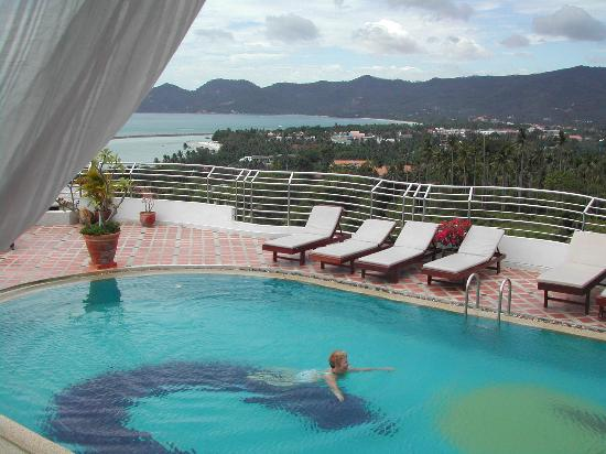 Cabana Grand View : View from the pool area