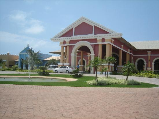 Iberostar Praia do Forte: Main Entrance