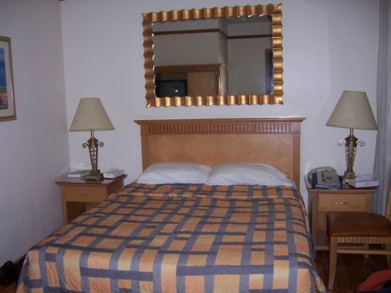 The Amsterdam Inn Photo