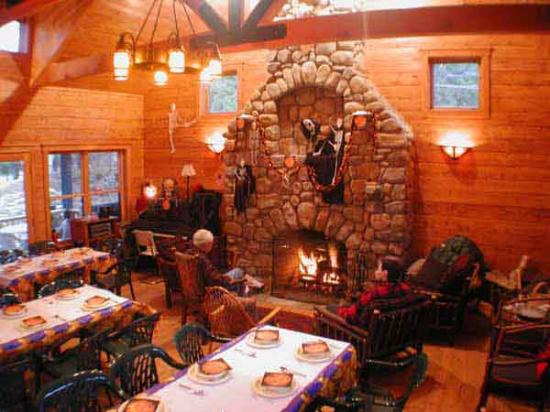 Prospect Point Cottages - Blue Mountain Lake: A party in the Library/Community Room
