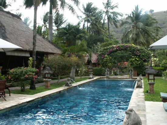Puri Mas Boutique Resort & Spa: pool at villas just 3 minutes away