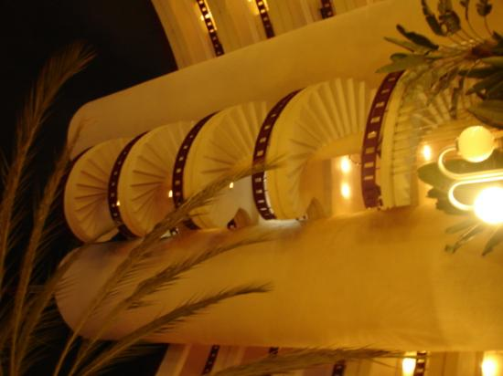HL Hotel Rondo: A staircase in the hotel