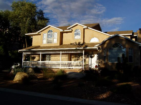 Harvest House Bed and Breakfast: Harvest House B & B in Springdale, Utah