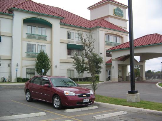 La Quinta Inn & Suites Seguin : A fairly new construction
