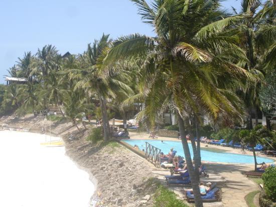 Voyager Beach Resort: relax pool and beach