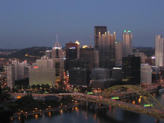 ‪بيتسبيرغ, بنسيلفانيا: Pittsburgh at night‬