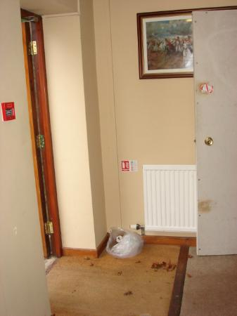 The Ragged Cot Inn: Missing Fire Extinguisher