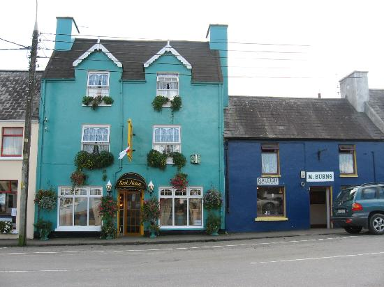 Bank House Sneem: The Bank House B&B is the teal house on the left.