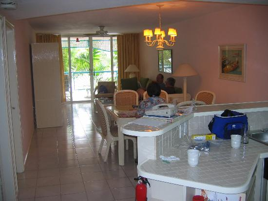 Princess Port de Plaisance Resort and Casino: kitchen through living area to balcony