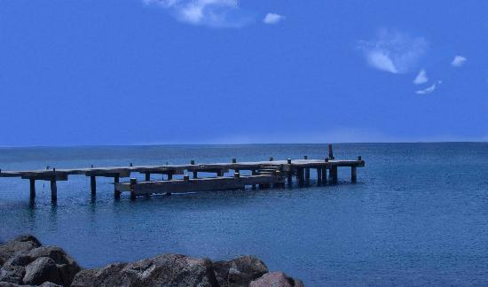 Νέβις: Pier just down from the ferry on Nevis