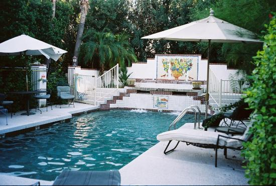 Maricopa Manor Bed and Breakfast Inn: Maricopa Manor - Pool area