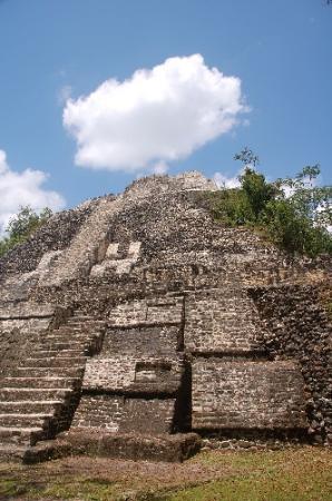 Cayo Ambergris, Belice: Mayan Ruin Temple