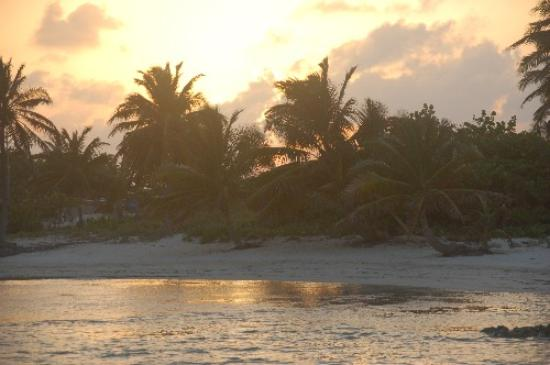 Ambergris Caye, Belize: Sunset at Belizean Shores Resort