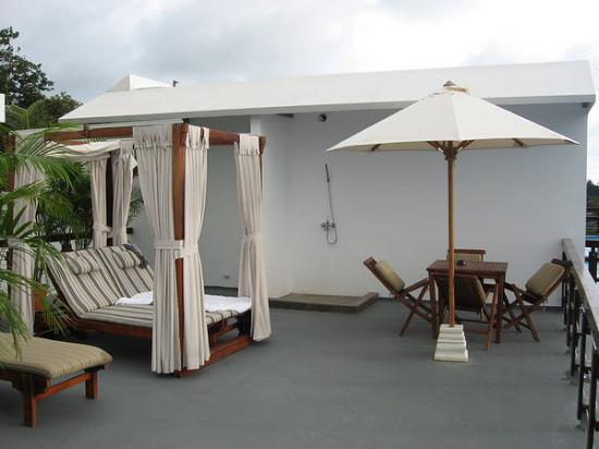 Gaia Hotel & Reserve: Rooftop Terrace