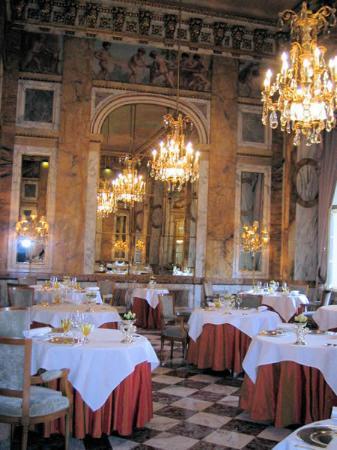 Hotel de Crillon, A Rosewood Hotel: Les Ambassadeurs / breakfast room, too
