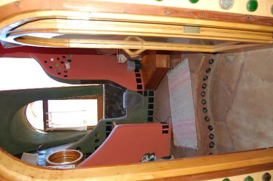 Earthship Biotecture: Hut Bathroom