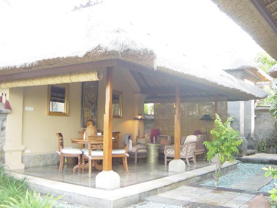 Four Seasons Resort Bali at Jimbaran Bay: living area