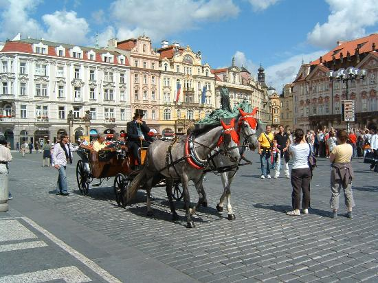 Praha, Tsjekkia: A Lovely Way To Get Round The Town