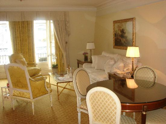 Four Seasons Hotel George V Paris: Duplex Living Room
