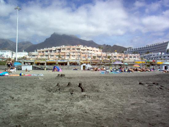 Playa de Fañabé, España: looking at apt from the beach