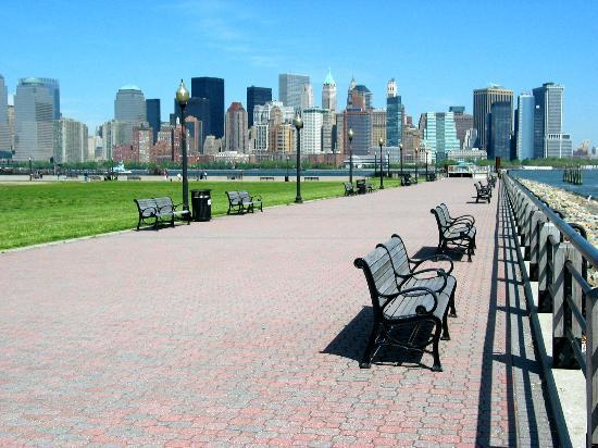 Jersey City, Nueva Jersey: Liberty State Park with the skyline on the background