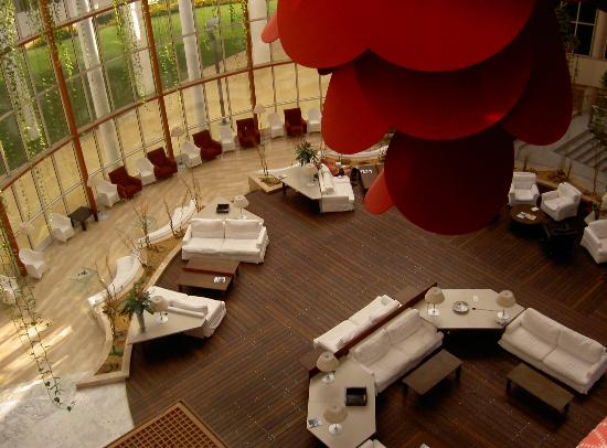 Silken Al-Andalus Palace Hotel: Lounge Area of Hotel