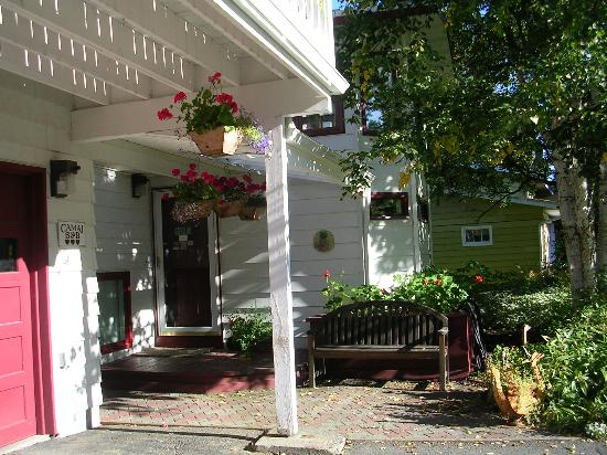 Camai Bed and Breakfast Inn: Entrance to B&B