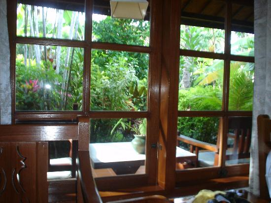 Bumi Ayu Bungalows: Tropical Garden View From Our Room