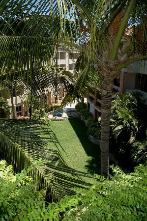 Hotel Playa Mazatlan: One of the courtyards.