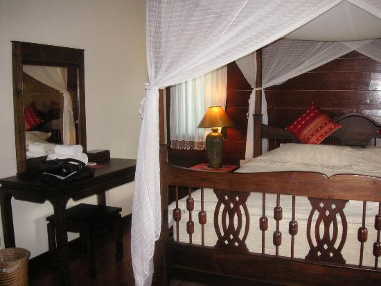 Baan Orapin Bed and Breakfast: our room  - deluxe suite