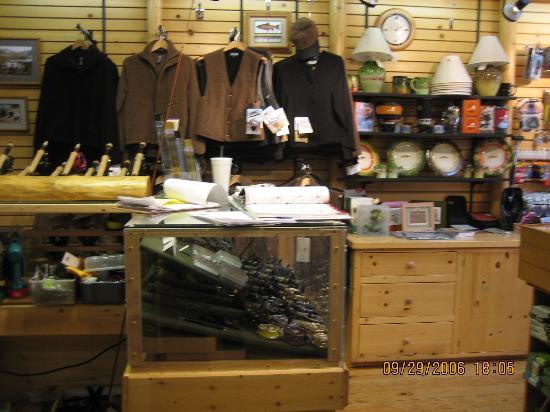 Kirks Flyshop & Mountain Adventures: Inside Kirks