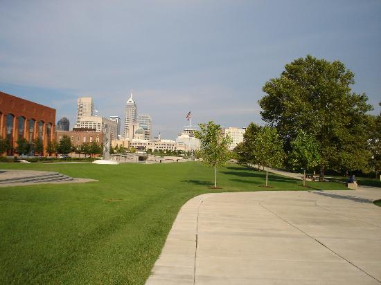 Indianapolis, IN: City view from White River State Park