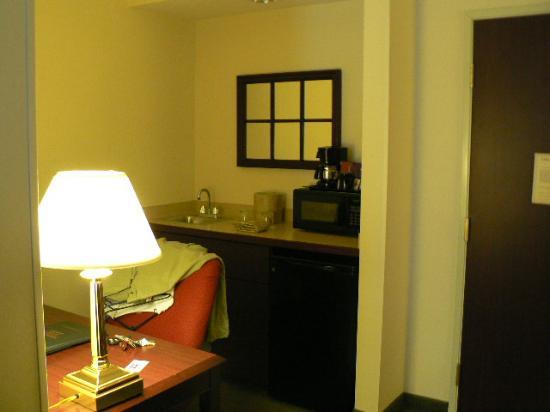 Carmel, IN: Sink/desk