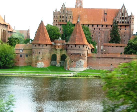 Malbork, Πολωνία: View from across river