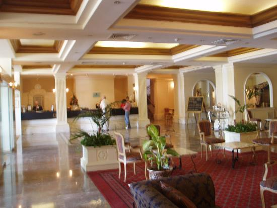 Corinthia Palace Hotel & Spa: the lounge and reception
