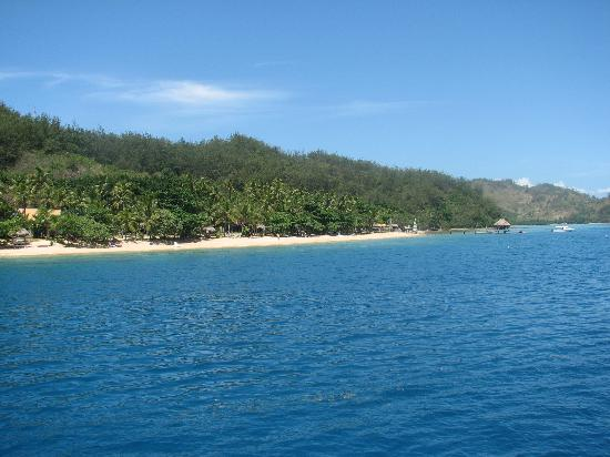 Malolo Island Resort: View on arrival via water