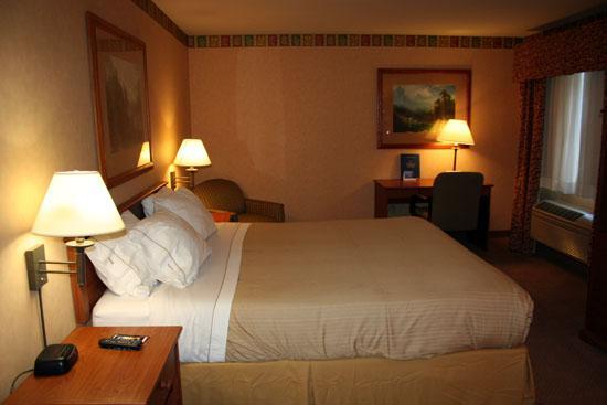 Holiday Inn Express Bishop Photo