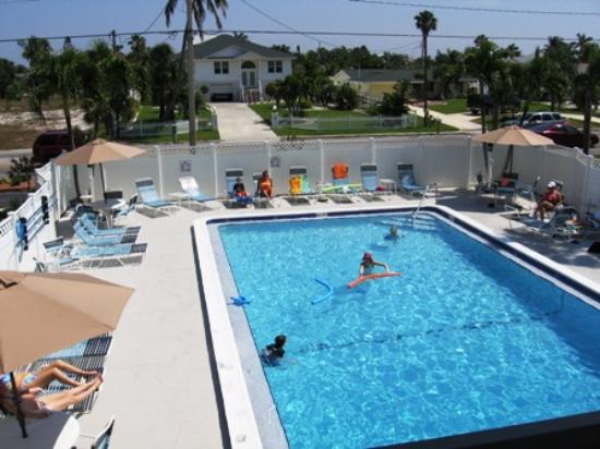 Fort Myers Beach Smuggler S Cove Condo Pool