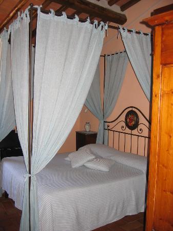 virgo bedroom foto di hotel palazzo del capitano