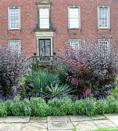 Dunham Massey Hall & Gardens : house from gardens