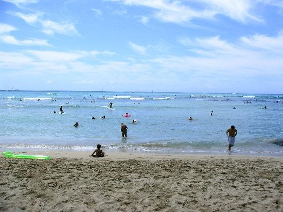 Honolulu, HI: Waikiki Beach