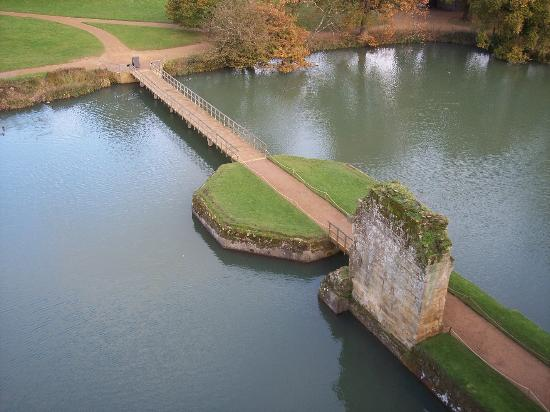 Bodiam Castle: entrance way from up top