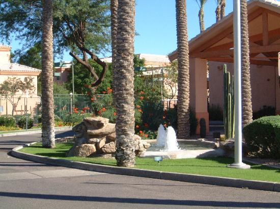 Scottsdale Villa Mirage: Resort entrance area
