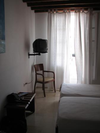 Rochari Hotel: Room 305