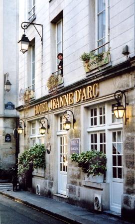 La Cour De Rohan Tearoom Paris Fr Picture Of Paris Ile