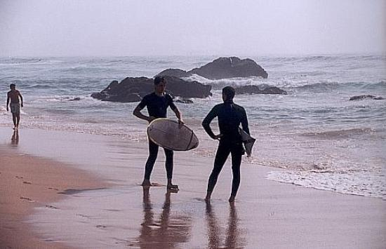 Cascais: Surfing in Guincho